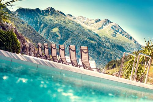 Felsentherme Sommer(c) Max Steinbauer Photography